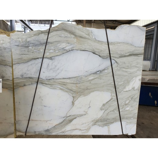 CALACATTA GOLD WIDE VEIN